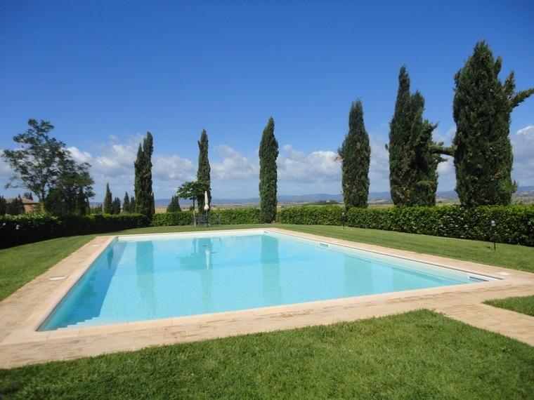 Agriturismo siena toscana agriturismi con piscina siena for Piscina santa lucia
