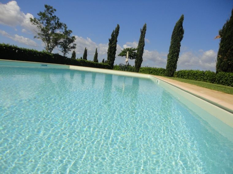piscina appartamenti a Santa Lucia